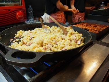 Cena en la Plaza Vieja